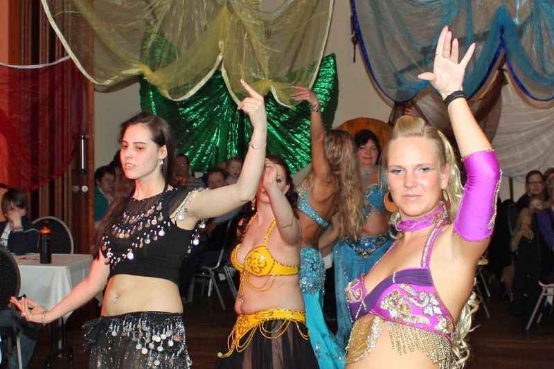 Frauentagsfeier 2011 im Reddelicher Party-Haus